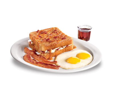 Caramel_Bacon_Stuffed_French_Toast