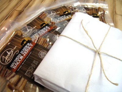 Bacon-Jerky-Butcher-Gift-Pack-Regular-Size-World-Famous-Small-Batch-Bacon-Jerkey-Great-Gift-Idea-for-Any-Bacon-Lover-0