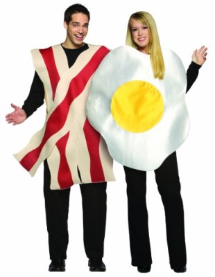 Rasta-Imposta-Bacon-and-Eggs-Couples-Costume-0