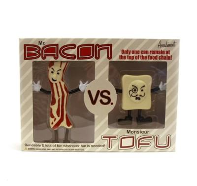 Accoutrements-MrBacon-Vs-Monsieur-Tofu-Action-Figures-0
