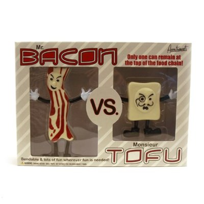 Accoutrements-MrBacon-Vs-Monsieur-Tofu-Action-Figures-0
