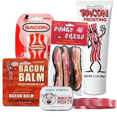 Bacon-Survival-Kit-Gift-Pack-5pc-Set-Bacon-Floss-Lip-Balm-Mints-Air-Freshener-Frosting-Silicone-Wristband-0