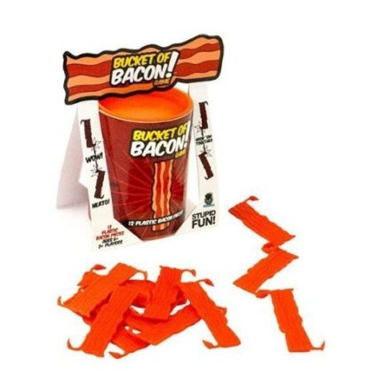 Everybody-Loves-Bacon-Bucket-of-Bacon-Board-game-0